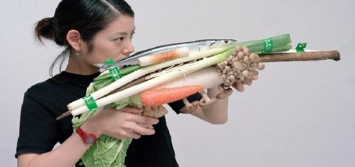 צויושי אוזוואה - נשק ירקות, מרק קציצות, דג מקרל, טוקיו 2001. - עותק